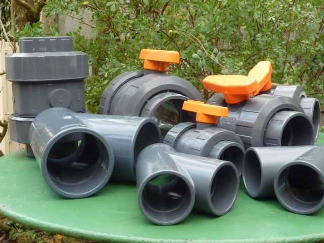 Les accessoires techniques filtre pour bassin cologique for Accessoire piscine vannes